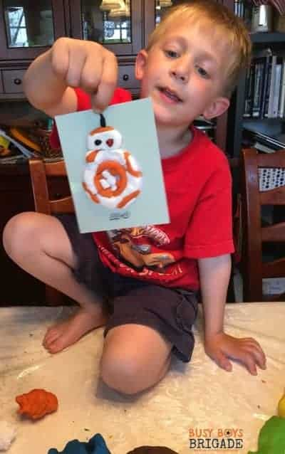 Got Star Wars fans? All ages will love these 20 free Star Wars cards for playdough fun & more!