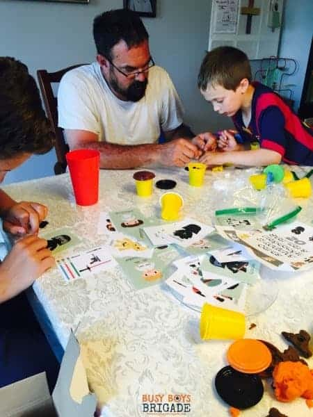 Star Wars Cards for playdough fun and more are fantastic for family fun. Get your 20 free cards now!
