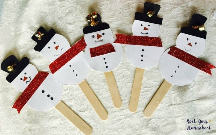 Here are 5 Little Snowmen created with the easy snowman craft for winter fun for kids.